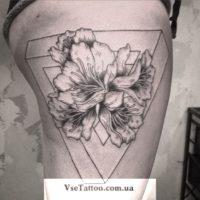 тату геометрия цветы