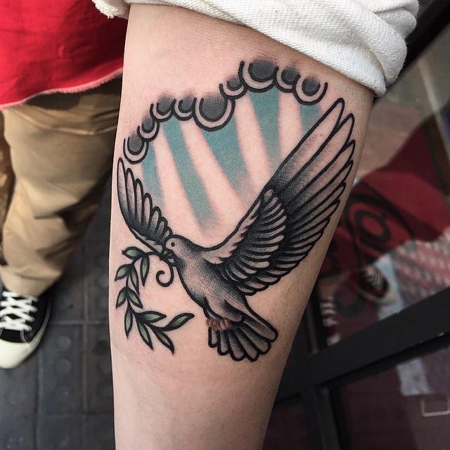 фото татуировки голубь